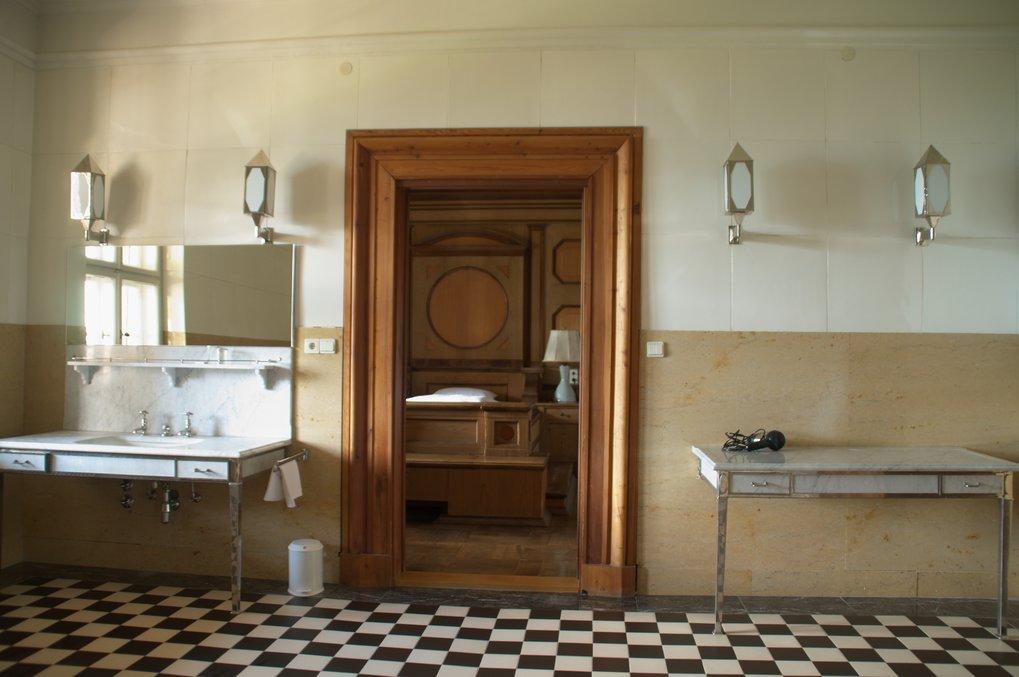 Badezimmer 110