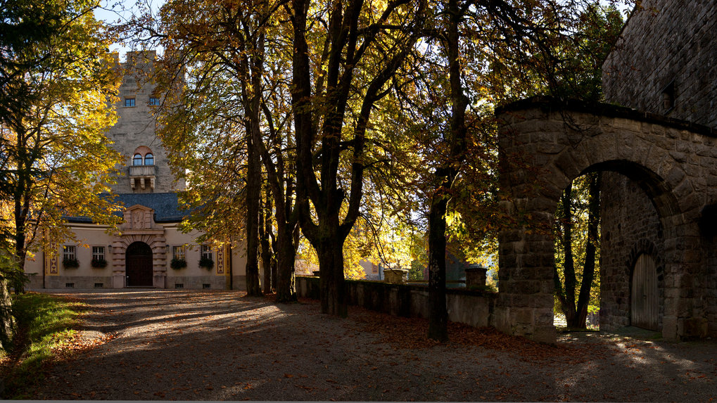 Front entrance of Castle Ringberg (source: https://www.schloss-ringberg.de/)